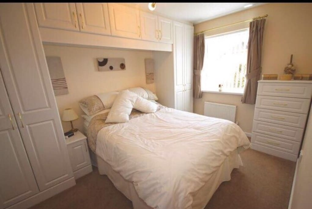 Spacious and clean double bed room