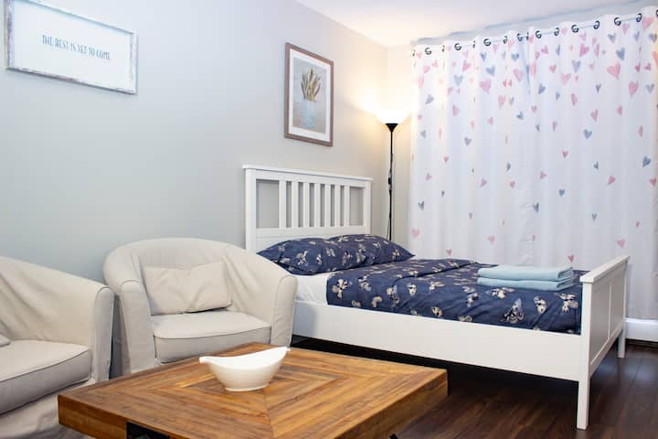 Cozy and sparkling studio downtown Montreal