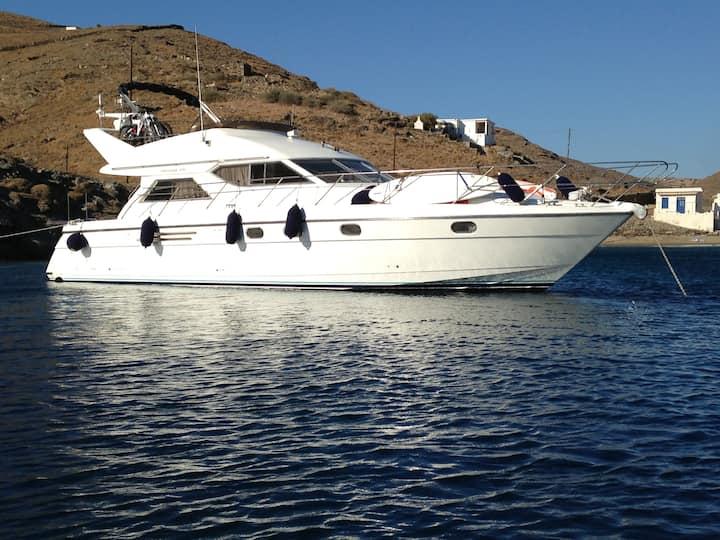 Motor boat in Alimos marina