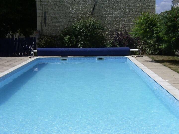 14th Century Farmhouse with heated 15m pool