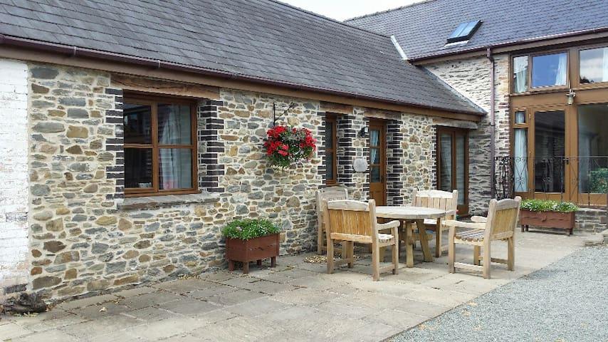 Dan-y-coed Cottage