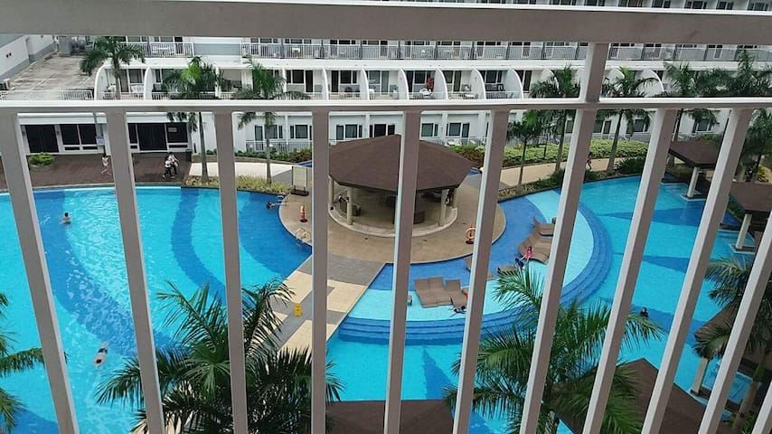 RP Condo 1 (Pool View) at Shell Residences MOA