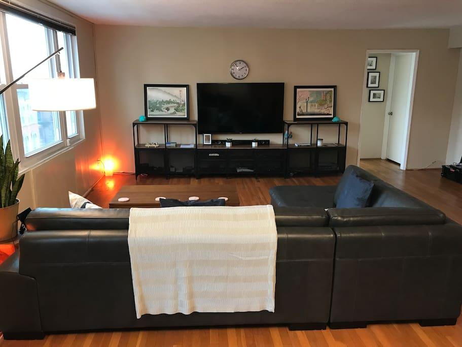 Open floorplan: Living Room viewed from Dining Room