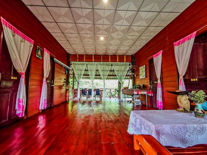 Lè Mariza River Front roommate House in ChiangMai