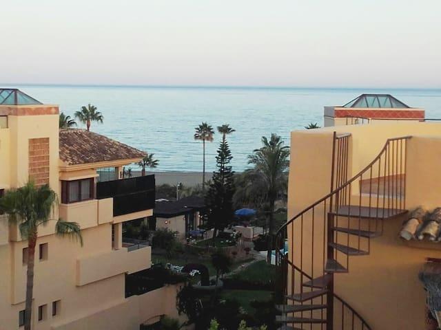 Ático en Marbella con vistas al mar