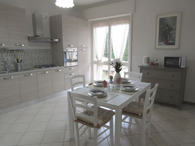 Two double bedrooms two bathrooms - Desenzano del Garda - Appartement