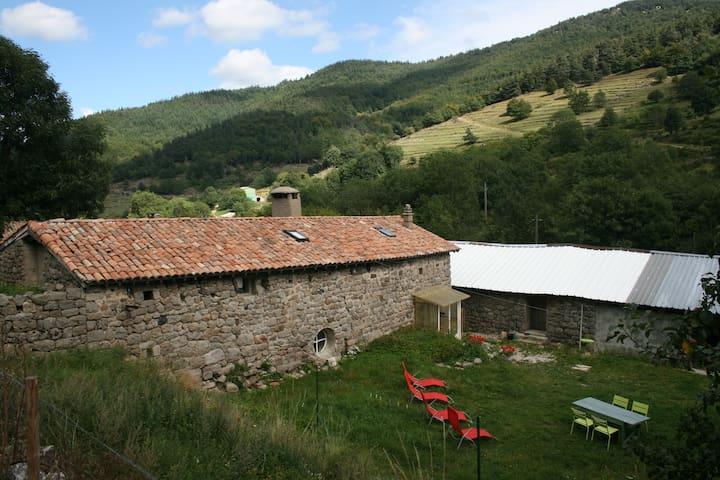 Grande Maison Au Coeur Du Parc des Monts D'Ardèche