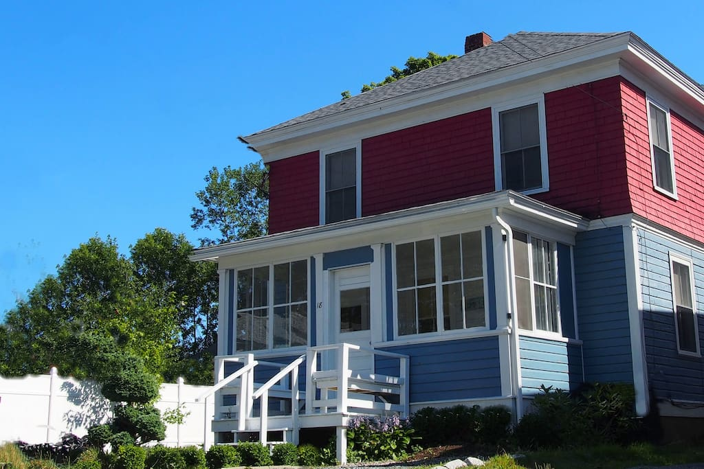 Fully Restored Authentic Bar Harbor Cottage!