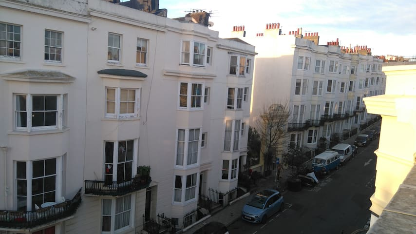 Private entrance, sea 2 minutes, listed building - Hove - Pis