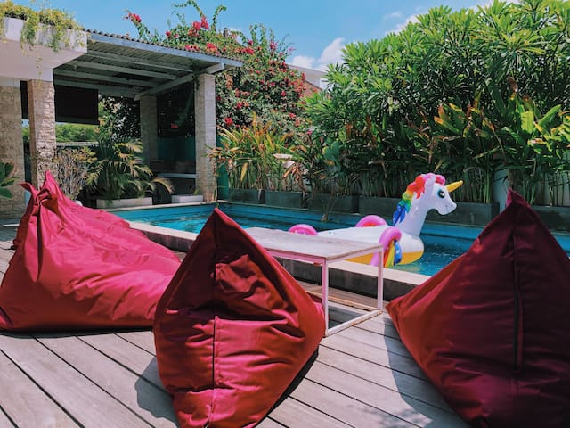 L2 Modern Pool Loft 2min to Finns Beach Canggu