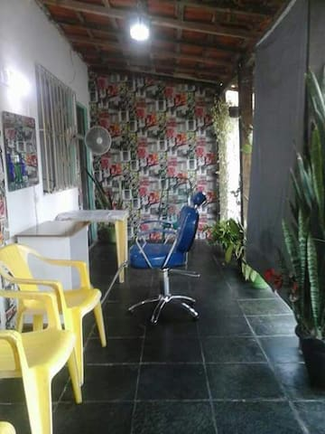 Casa família simples vagas garagem - Barra Mansa - Hus