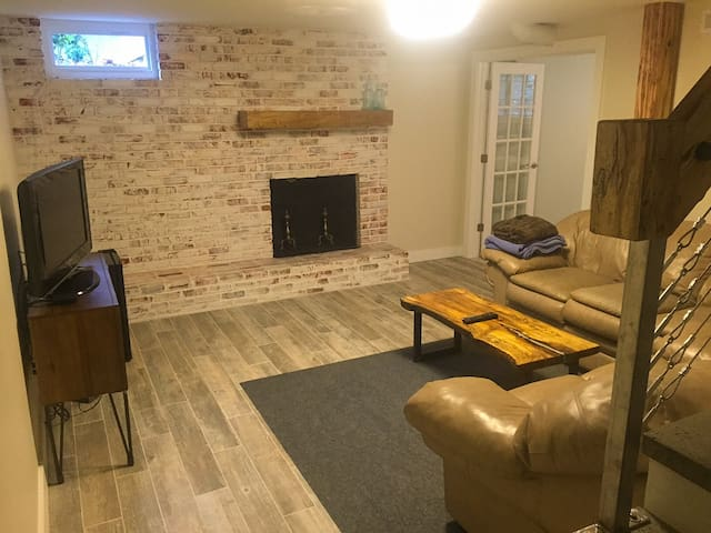 Modern Suite In Walkable Community Minutes To DT - Asheville - Leilighet