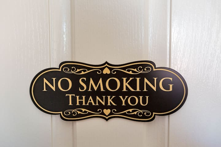 Please no smoking or vaping in guesthouse or around the property.  Please respect policy.