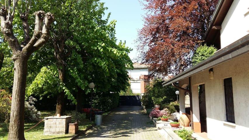 Monolocale, garden, vicino Ondaland - San Pietro Mosezzo - Villa