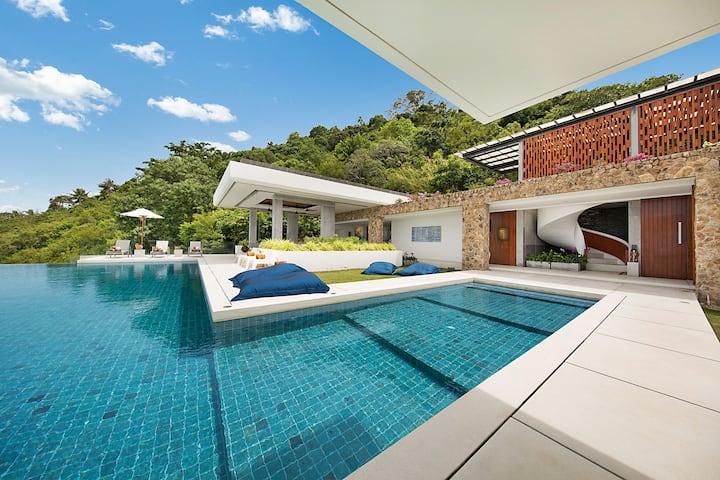 40% OFF Luxe Contemporary Ocean View Retreat