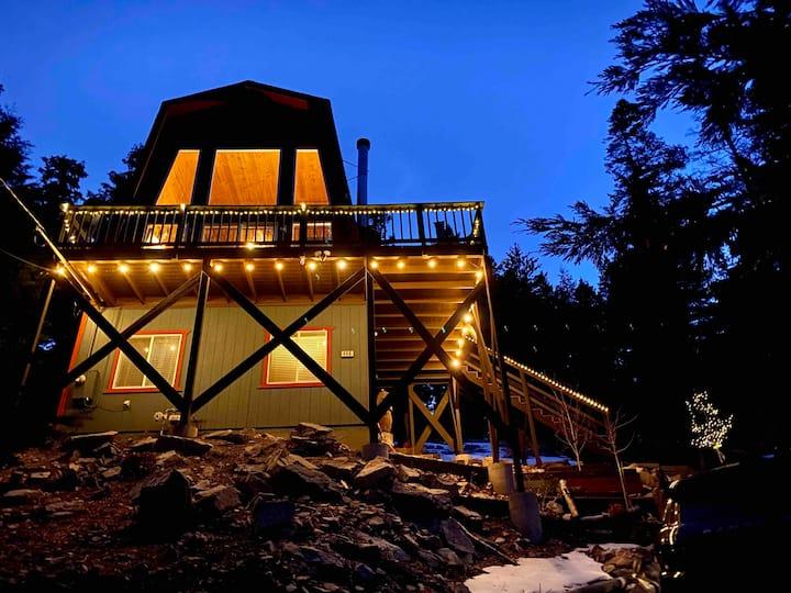 Golden Maple Cabin