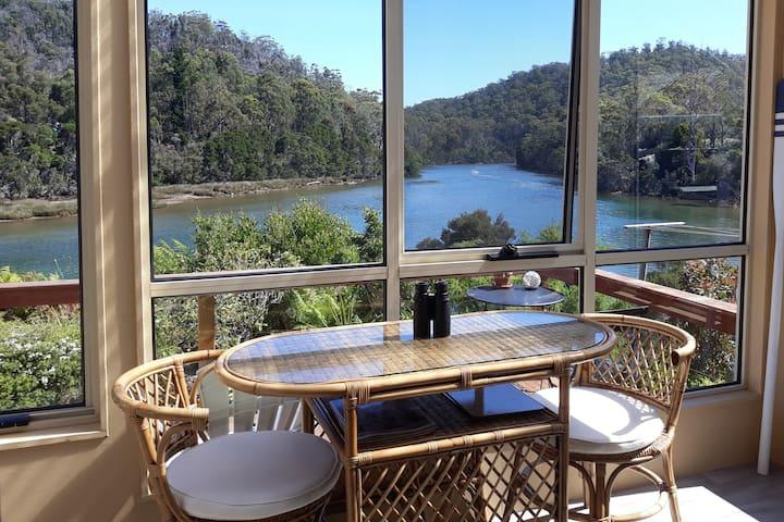 River Cottage Tasmania * River Frontage * Hot Tub