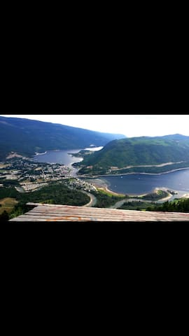 Lakefront on the Shuswap 4th floor for privacy