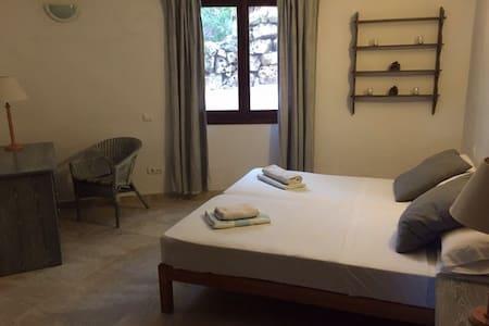Well located twin room 2 - Sant Antoni de Portmany - บ้าน