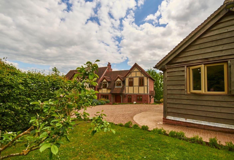 Majestic Oak Frame House