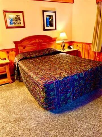 Classic Queen Room #102