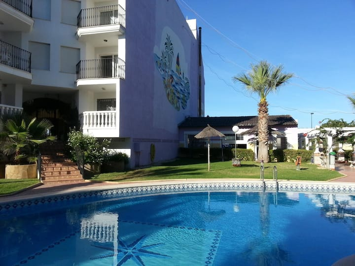 Apartments with pool very close to the beach. Ref.San Antonio 24