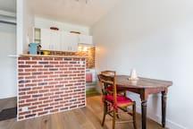 Cuisine ouverte avec bar Open kitchen with bar