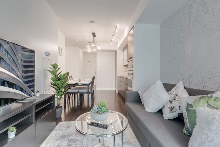 Ent. District- 2 BR Style - 3 Beds - Easy Parking