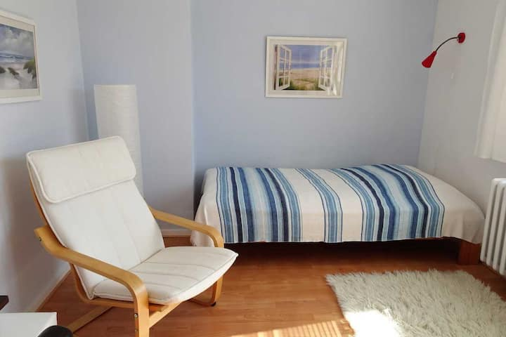 Bright and quiet room with terrace