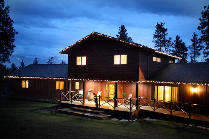Flathead Lake Getaway -  Indoor Pool, Sauna, Dock!