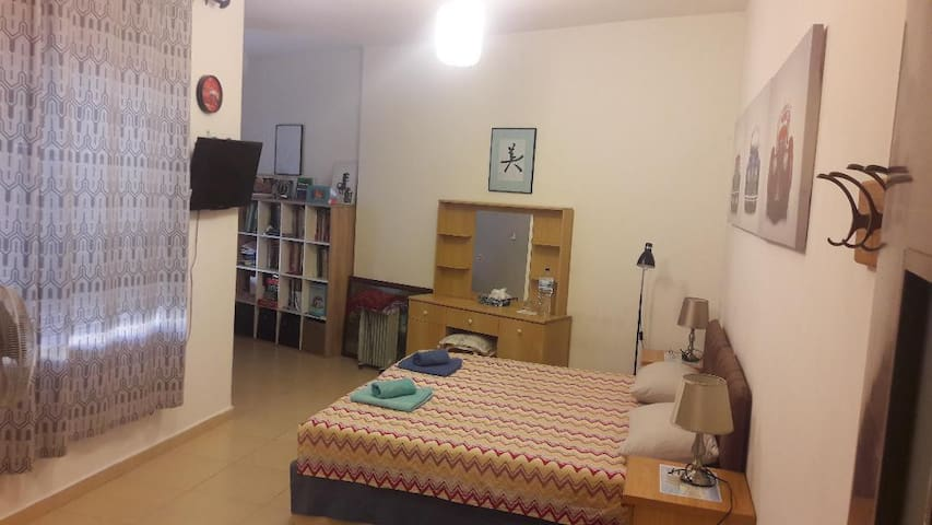 Prime Location 2 beds(shared Apartment for Girls).