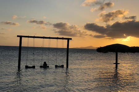 Villa La Valentina, private beach just steps away