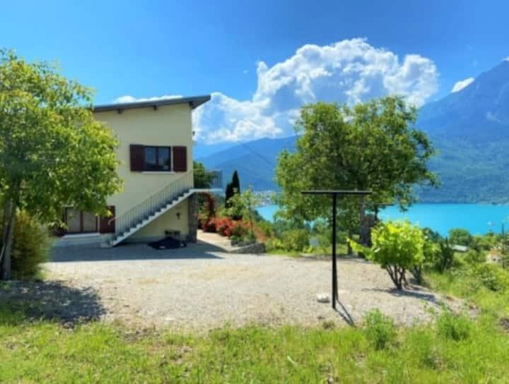 Joli appartement T3 vue sur le lac de Serre Ponçon