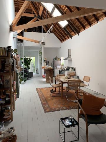 Chic+ Spacious Artist's Loft in Lincoln Heights