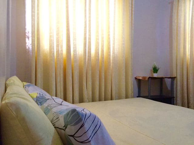 Charming 2BR Unit + STRONG WIFI! - Davao City - Hus