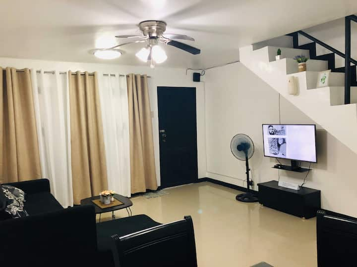 Entire House for Rent Very Near to Clark Airport