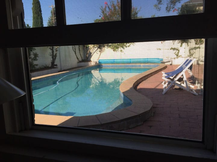 31 Single Room With Pool View