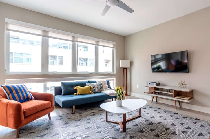 Kasa Denver Riverfront Apartments | One Bedroom