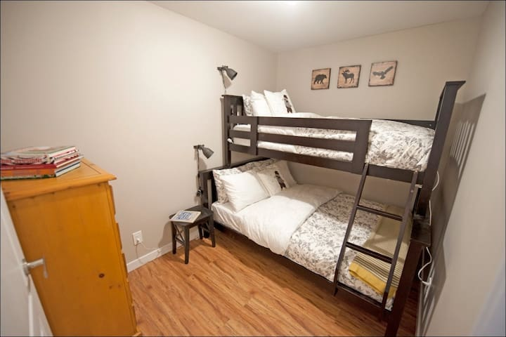 Second bedroom (single over double bunk bed)