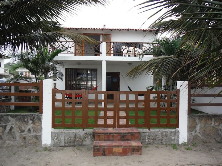 Beachfront House and Studio Appartment