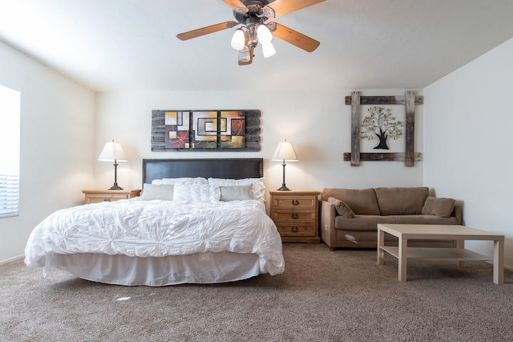 KEUSH RANCH - 3BR2.5BA Sleeps 10+ COME VISIT US!