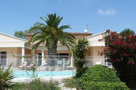Proche Montpellier - Chambre Cévennes + piscine - Restinclières - Bed & Breakfast