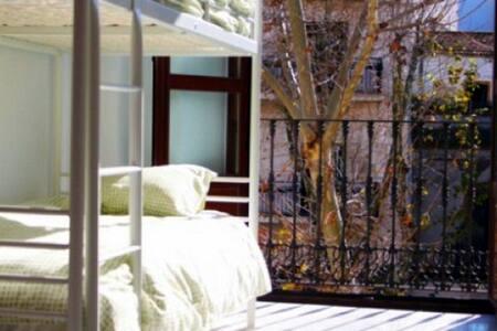 Habitación de 2 camas en The Spot Central Hostel - เซวิลล่า