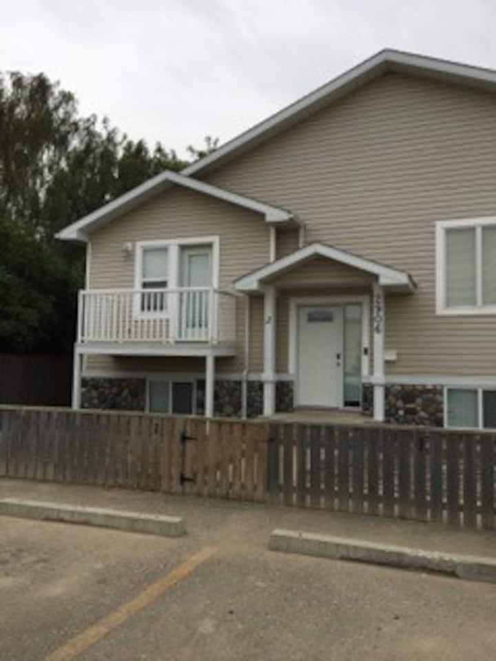 Modern 3 bedroom apartment in South Lethbridge #2