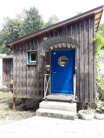 Tiny Home - Ferienhaus in Tann mit Wi-Fi
