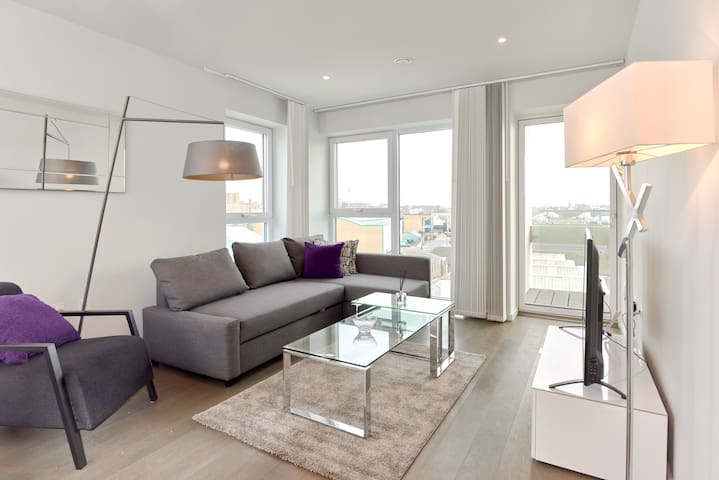 Bright and Modern 2Bed w/Balcony in Kings Cross