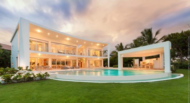 Luxury 5-room villa at Puntacana Resort & Club