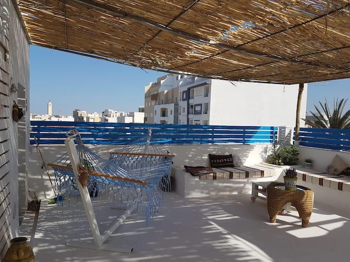 Luxueux studio avec une grande Terrasse