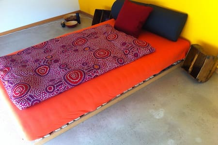 Ruhiges und komfortables Zimmer. - Rodersdorf - Casa