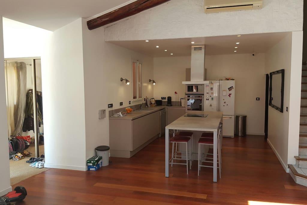 salon et cuisine ouverte de 60m2